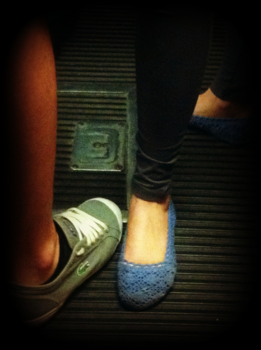 italy street style, italia street style, milan street style, milano street style, ballerine uncinetto, lacoste, sneakers lacoste, scarpe da tennis