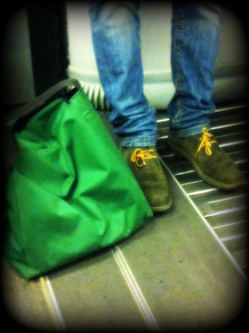 clark desert boot, clarks desert boot, clark verdi, clark verdi e lacci gialli, clark verdi e stringhe gialle, fashion blogger, street style, milano street style, milan street style, italy street style, italian street style, italia street style