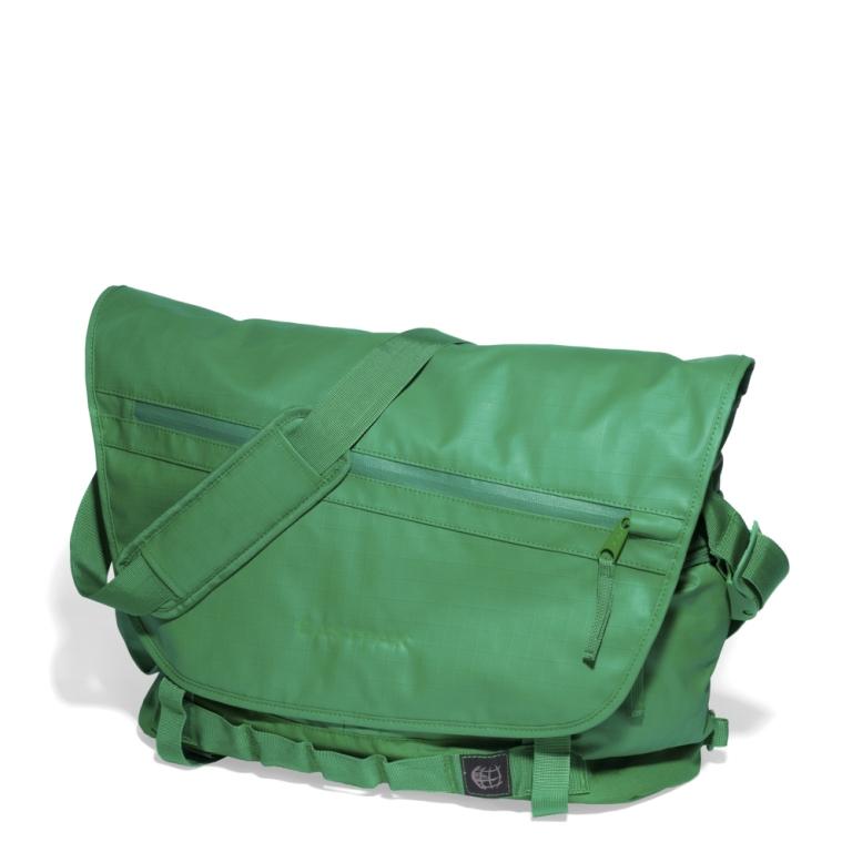 eastpak pacer coat grass, tracolla eastpak, borsa a tracolla verde eastpak, tracolla verde eastpack, eastpak online, eastpak store online, eastpak shopping online