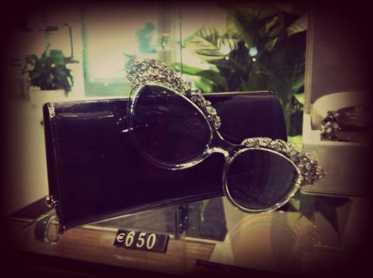 swarovski sunglasses, swarovski occhiali da sole, swarovski online, swarovski store online, swarovskishopping online, street style,  italy street style italian street style, milan street style, milano street style, fashion blogger, artioli, ottica artioli, vetrina milano, ottica artioli milano, occhiali da sole Rihanna, sunglasses Rihanna