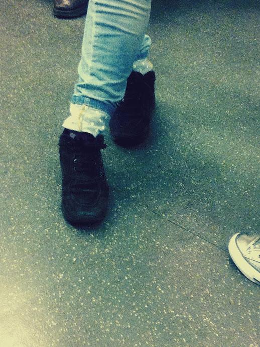 jeans rivolto pois, jeans orlo pois, jeans polka dot, pants polka dot, pantaloni risvolto pois, fashion blogger, fashion blog, street style blog, street style blogger, milano street style, milan street style, italy street style, italia street style