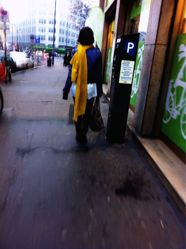 sciarpa gialla, milan street style, milano street style, moscova, sciarpone giallo, maxi sciarpa gialla