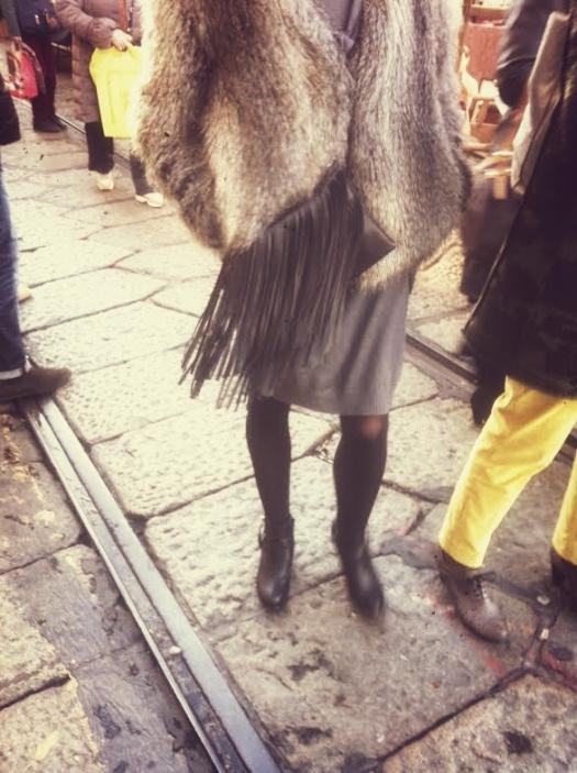 pelliccia-borsa-frange