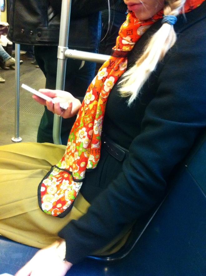 foulard-ysl